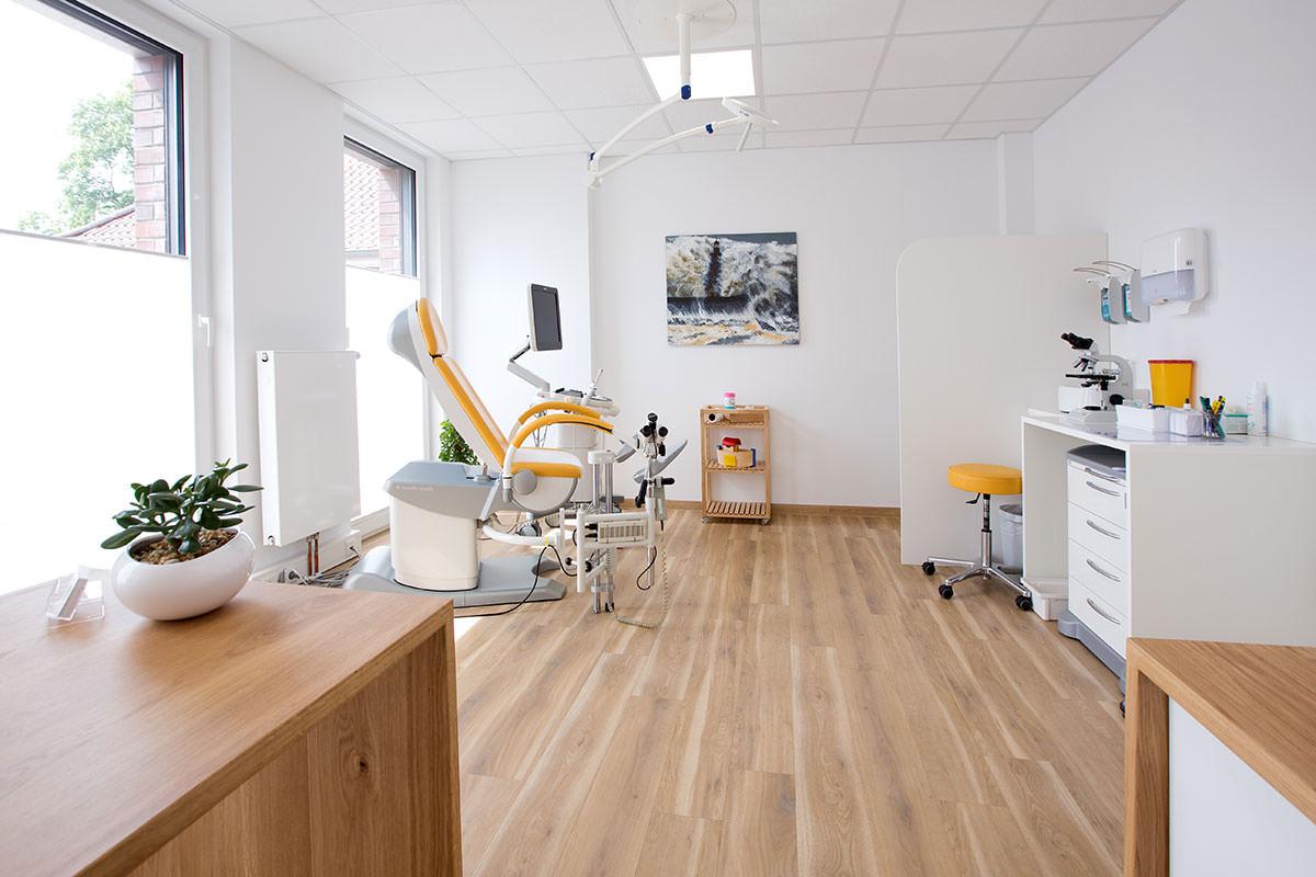 Praxis-Dr-Cassens-Luedinghausen-Untersuchung-2